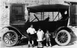 Medina Dyke Children by Car, circa 1925