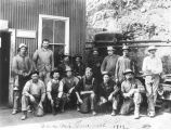 Photograph of a group of copper miners in Globe (Ariz.)