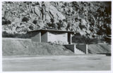 Photograph of a roadside rest area at Interstate Highway 10 and Texas Canyon (Ariz.)
