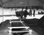 Photograph of the funeral of Ira D. Hayes at Arlington National Cemetery in Arlington (Virginia)