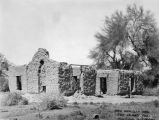 Photograph of the ruins of the King Woolsey home in Agua Caliente (Ariz.)