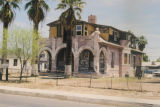 Photograph of a dilapidated house at Hadley and Third Avenue in Phoenix (Ariz.).